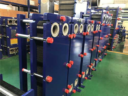 The low-temperature waste heat recovery plate heat exchanger of the oil refining unit replaces the shell-and-tube heat exchanger with good results
