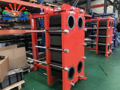 What is the proportion of pressure drop in the selection of plate heat exchanger?