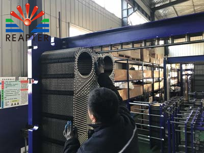 Correct cleaning oil dirt plate heat exchanger